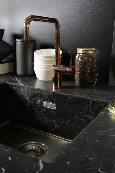 Ideas de decoración: El mármol negro▪️es tendencia.
